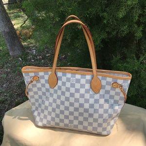Louis Vuitton Neverfull Azur PM size